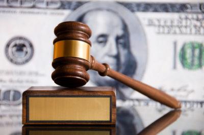 продал кредитную машину банк подал в суд