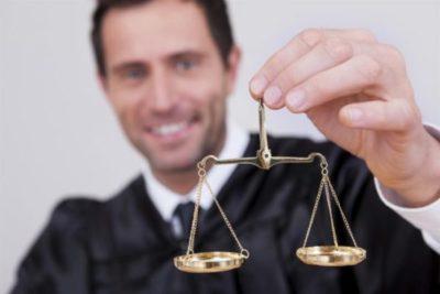 когда банк может подать в суд на должника