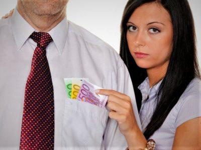 муж не дает денег что делать