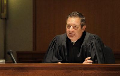 как отложить заседание суда